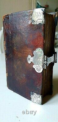 Beautiful collection of old & rare 18th c. Prayerbooks in fine bindings & silver