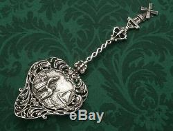 Old Dutch Themed Pastry server Silver